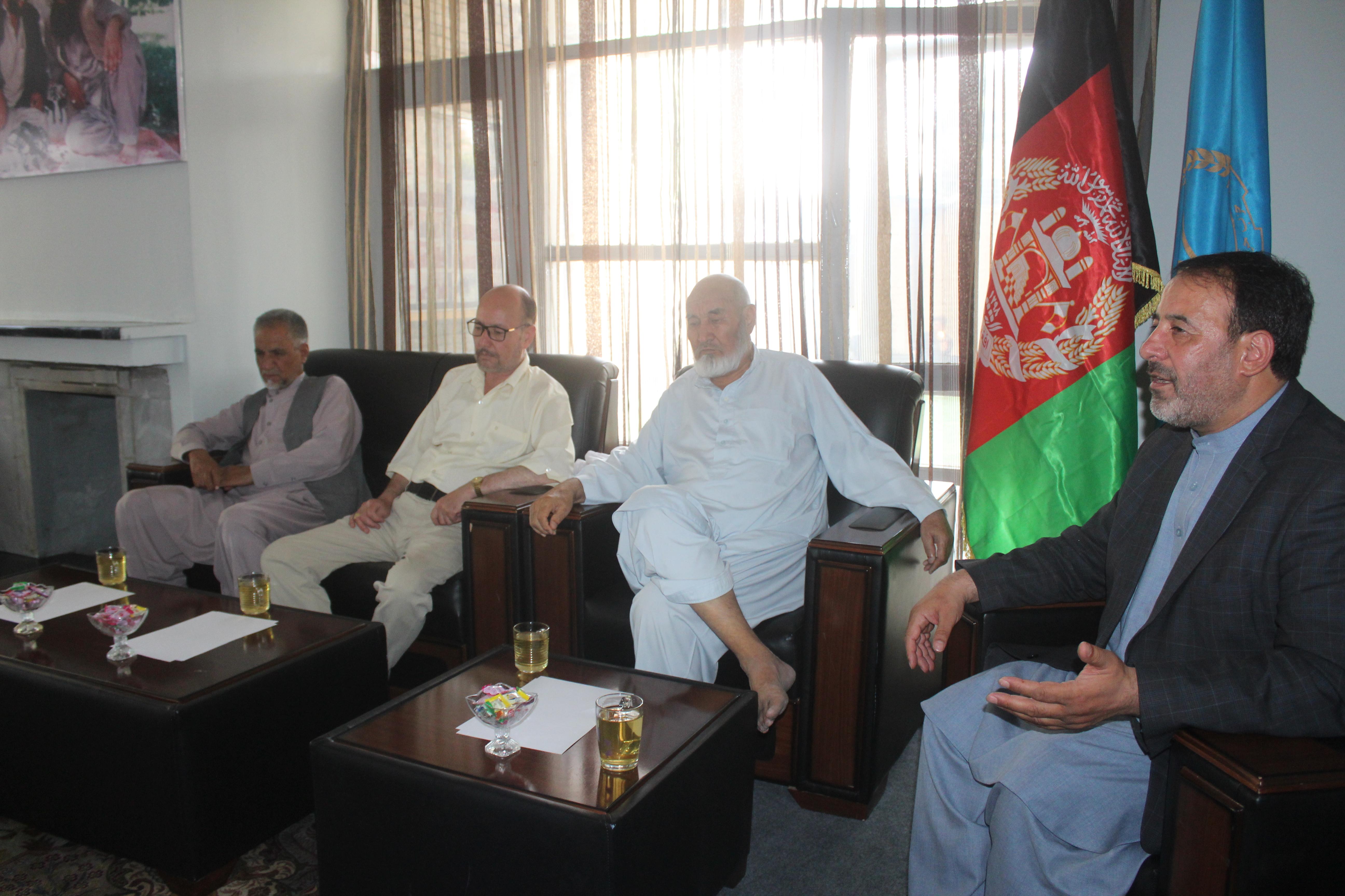 تصویر از حزب حرکت اسلامی متحد افغانستان حمایت خود را از تیم دولت ساز اعلام نموده و برای پیروزی آن تلاش می نماید.