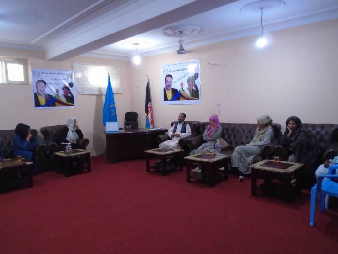 تصویر از بانوان ولایت بلخ حمایت شان را از تیم دولت ساز اعلام کردند.