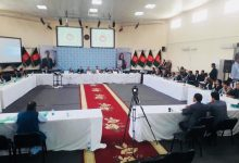 """تصویر از دفتر مرکزی کمیسیون انتخابات نشست مشورتی را با احزاب و جامعه مدنی پیرامون مسوده"""" پالیسی اصلاحات انتخاباتی """" انجام داد"""